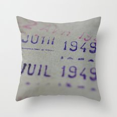 Due date Throw Pillow