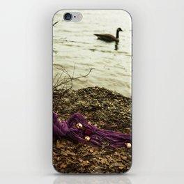 Qu'ils mangent de la brioche IX - Lake iPhone Skin