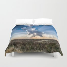 Explosion - Sunbeams Burst From Behind Storm Cloud in Kansas Duvet Cover
