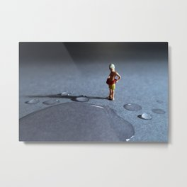 el peligro de poder ahogarse en una gota de agua. Metal Print