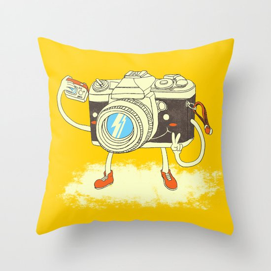 Self capture Throw Pillow