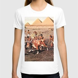 Classical Masterpiece Egyptian Farmers & Giza Pyramids by Herbert Herget T-shirt