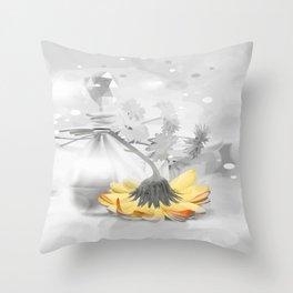 Duft der Blume Throw Pillow