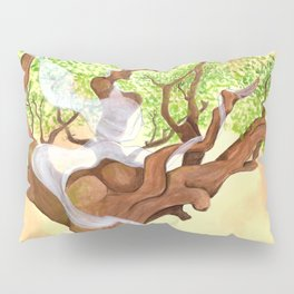 The concentrated Lady of the Oak Pillow Sham