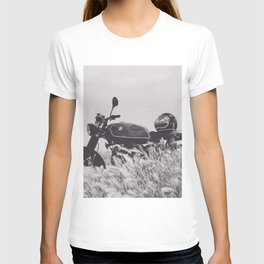 Scrambler photography, motorcycle lovers, motorbike, café racer, cafe racer, man cave gift T-shirt