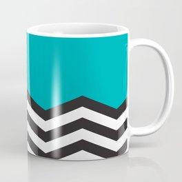 Mustavalko siksak turkoosilla pohjalla Coffee Mug