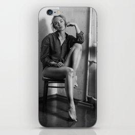 T. iPhone Skin