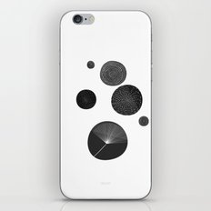 Back and White Retro Mod Flowers by Friztin iPhone & iPod Skin