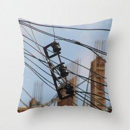 Fios e construção (1) Throw Pillow