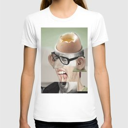 """""""a yawn is a silent shout"""" T-shirt"""