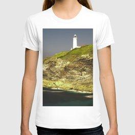 Trevose Head Lighthouse, Cornwall, United Kingdom T-shirt