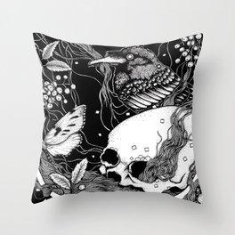 edgar allan poe - raven's nightmare Throw Pillow