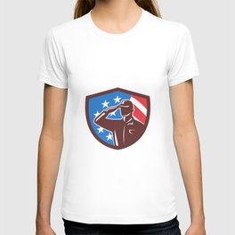 American Soldier Saluting USA Flag Crest Retro T-shirt
