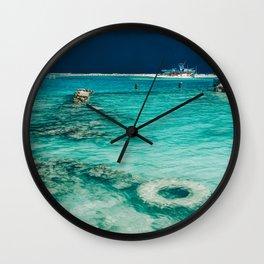 Maldivian storm 3 Wall Clock