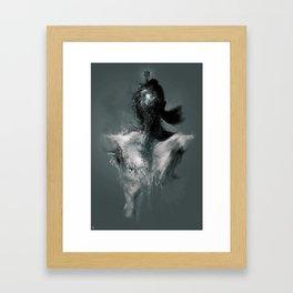 Olhos Framed Art Print