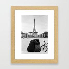 Paris Lovers Framed Art Print