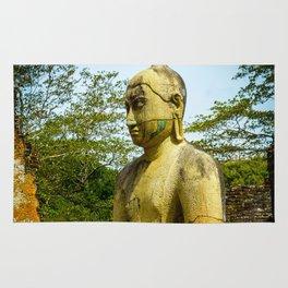 Buddha statue seated around stupa of The Polonnaruwa Vatadage Rug