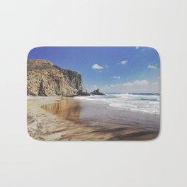 Barronal beach. Waves retro Bath Mat