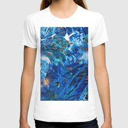 Rainbow Fish Swim, Environmental Tiny World Collection T-shirt
