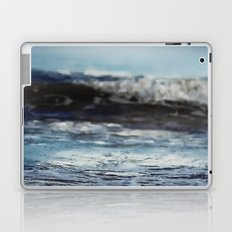 Blue 'tilt' wake Laptop & iPad Skin