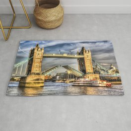 Tower Bridge and the Dixie Queen Rug
