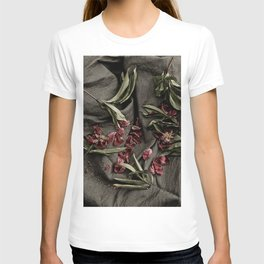 """Peonies are beautiful from the """"bud to to the end."""" T-shirt"""