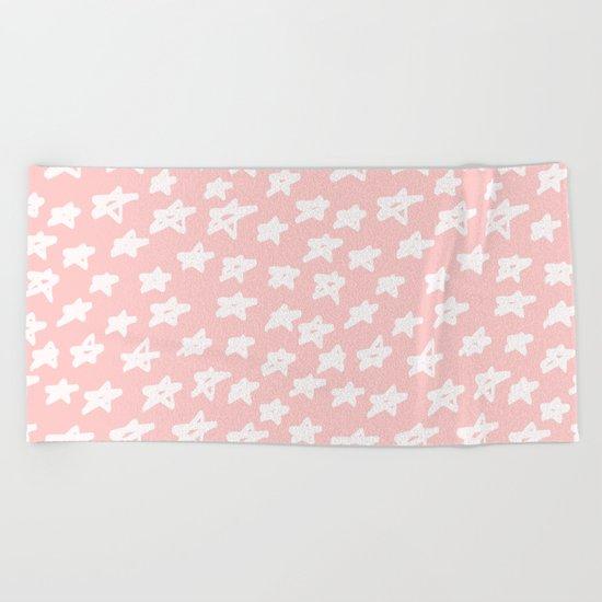 Stars on pink background Beach Towel