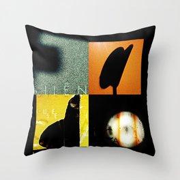 SILÊNCIO QUE SE VAI CANTAR O FADO Throw Pillow