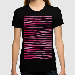 Irregular watercolor lines - pink T-shirt