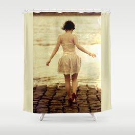 Liebe ohne Ausweg Shower Curtain