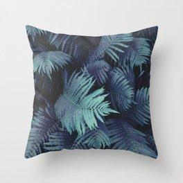 Farn 01 Throw Pillow