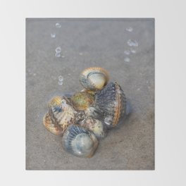 Sea pearls Throw Blanket