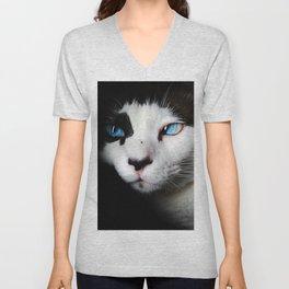 Cat siamese blue eyes Unisex V-Neck