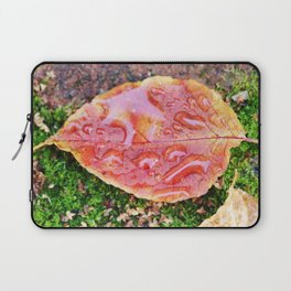 Pink leaf with rain drops Laptop Sleeve