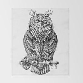 Great Horned Owl Throw Blanket