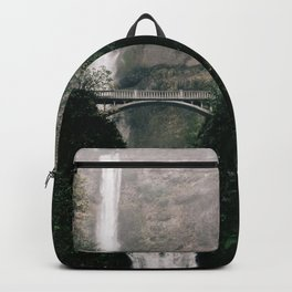 Multnomah Falls Waterfall in October - Landscape Photography Backpack
