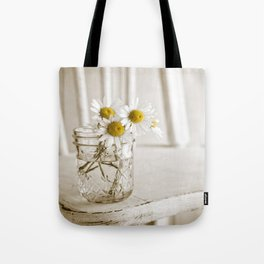 Simple White Daisy Flowers Tote Bag
