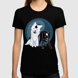 Yin and Yang foxes T-shirt