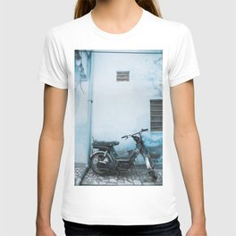 Scooter Against Blue Wall in the Blue City Jodhpur, Rajasthan, India   Travel Photography   T-shirt