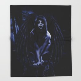 LILITH Throw Blanket