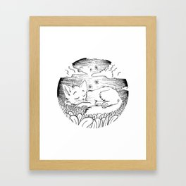 sleepin kitteh Framed Art Print