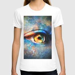 Through the Time Travelers Eye T-shirt