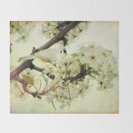 Tufted Titmouse Spring Flower Farmhouse Art Country Home Decor A132 Throw Blanket