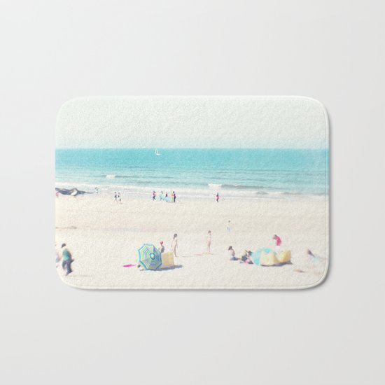 beach - happy life Bath Mat