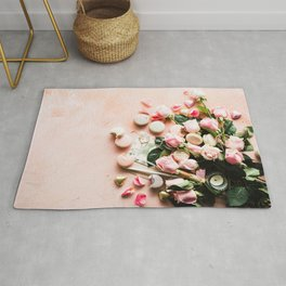 FLATLAY PHOTOGRAPHY OF MACAROONS AND PINK ROSE FLOWERS Rug