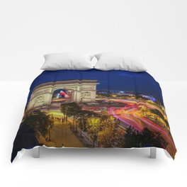 Arc de Triomphe in Paris Comforters