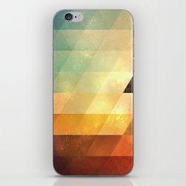 lyyt lyyf iPhone Skin
