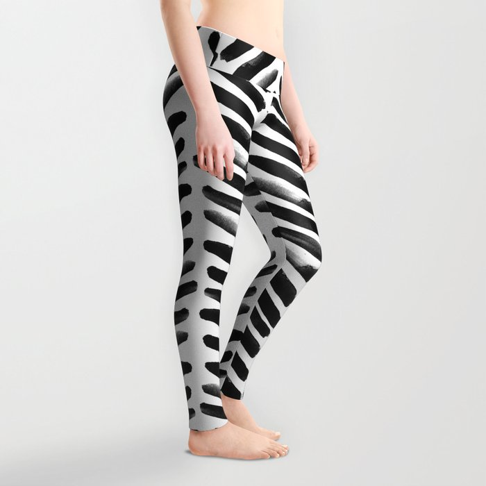 Simple black and white handrawn chevron - horizontal Leggings