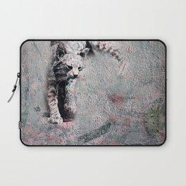 cat hunts a cactus Laptop Sleeve