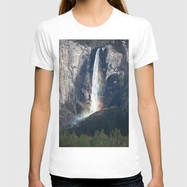 Bridalveil Falls, Yosemite California T-shirt